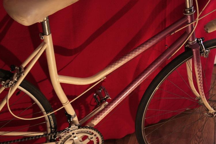 Vélo femme cadre avec tube de selle cintré 275980MG8940