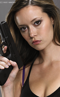 Summer Glau #018 avatars 200*320 pixels   278201klmjkl