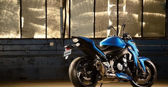 Suzuki dévoile son nouveau roadster au cœur de sportive 280065gsxs1000al6action16
