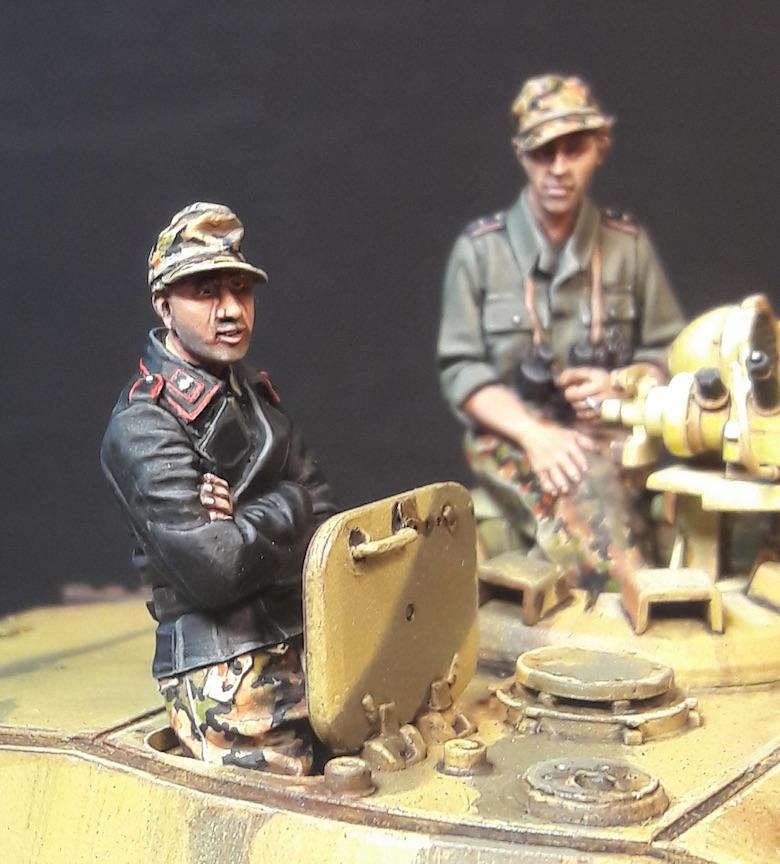 """King Tiger Ammo """"What If"""" - Page 2 280958GunnerFrontKTiger"""
