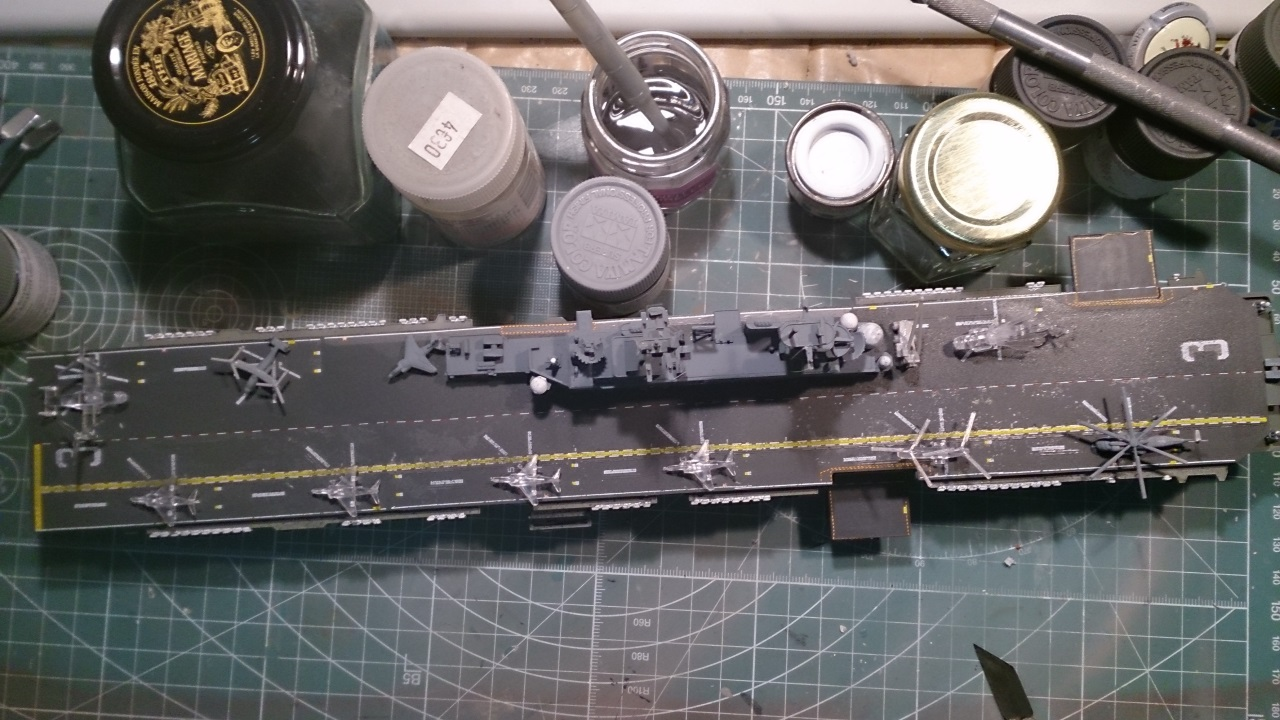 USS KEARSARGE LHD-3 1/700 REVELL - Page 2 281882Kearsarge40