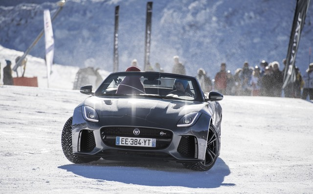 Romain Grosjean Inaugure La « Jaguar Fun Zone » A La Plagne Au Volant De La Jaguar F-Type SVR 288497driftbonnets