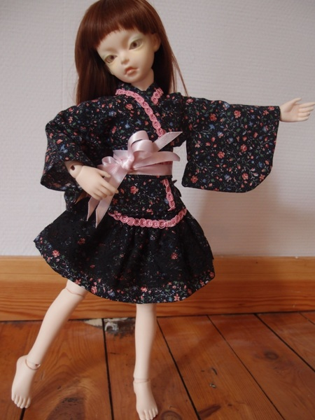 Commissions couture ----> Boutique Lilli Bellule <---- 288580robekimonofleurs2