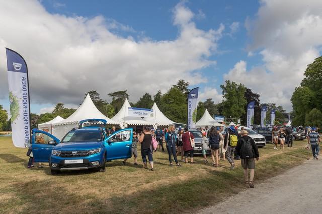La famille Dacia au grand complet pour le Grand Pique-Nique 2017 2888229308616