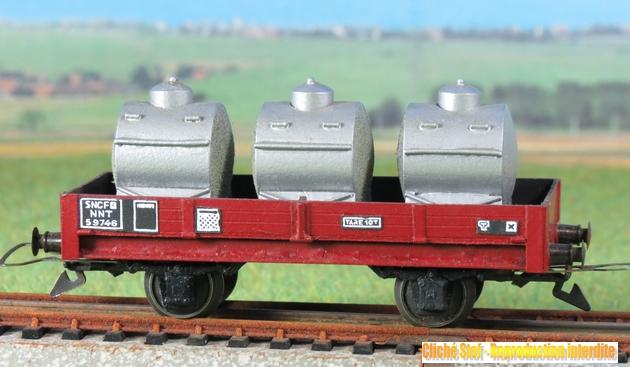 Wagons plats 2 ess maquette et semi maquette chargés par ordre alphabetique 289490VBmaquetteplat2essciterneslaitaluIMG3395
