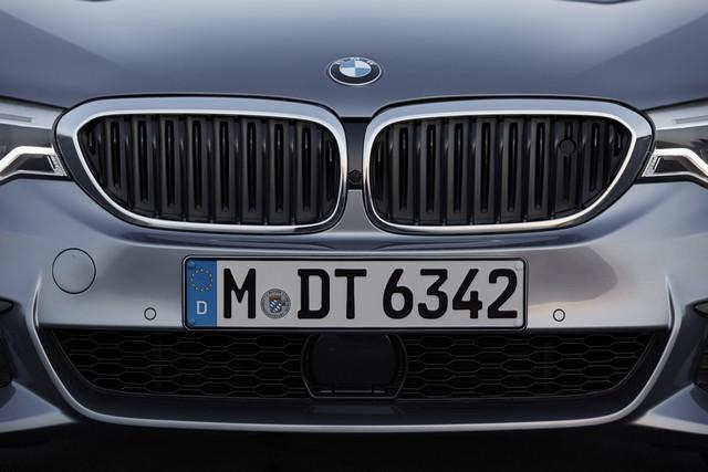 La nouvelle BMW Série 5 Berline. Plus légère, plus dynamique, plus sobre et entièrement interconnectée 294873P90237206highResthenewbmw5series