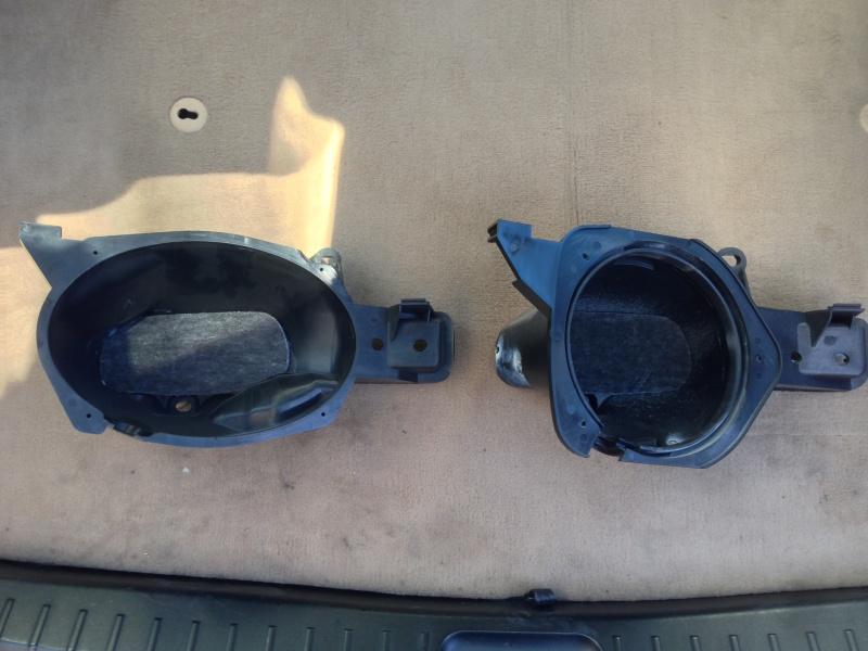 [BMW E46 Touring] Changement des haut-parleurs arrières 295141IMG5727