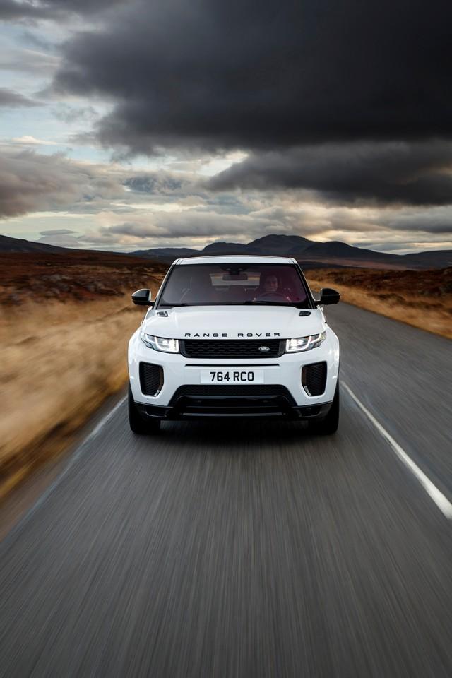 Les Land Rover Discovery Sport Et Range Rover Evoque Encore Plus Performants Grâce Aux Technologies Des Nouveaux Moteurs Ingenium 296223rrevq18my290psingeniumpetrol24051702