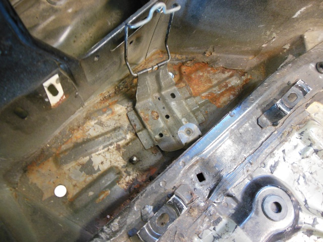 Mazda RX7 FC3S (restauration et preparation street) - Page 3 304102638