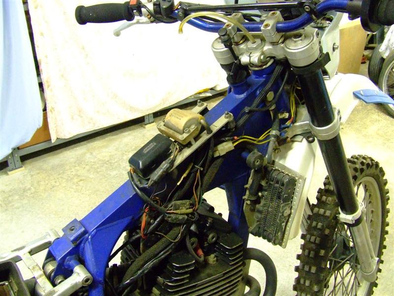 LC4 640 Racer... en 3D !!  - Page 19 304841DSCF1491Medium