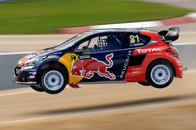 Rallycross - Sébastien Loeb remporte sa première victoire au volant de la PEUGEOT 208 WRX ! 30721257efbafaf1dac