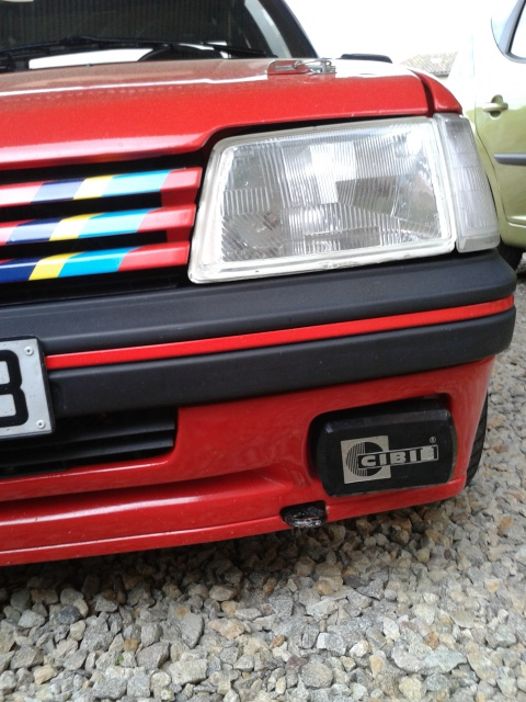[AutoRétro-63]  205 GTI 1L9 - 1900cc rouge vallelunga - 1990 - Page 5 30791520130528183625