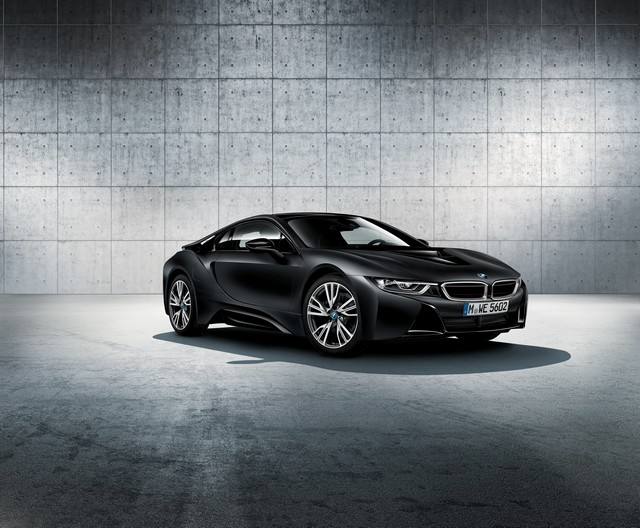 BMW au 87e Salon international de l'Automobile de Genève 2017 308817P90246535highResthenewbmwi8froze