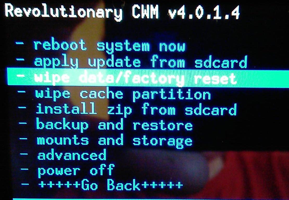 [Tuto] Downgrade vers GB, passage en S.Off, installation Leedroid GB 2.2.0 (en images) 309846IMAG0017