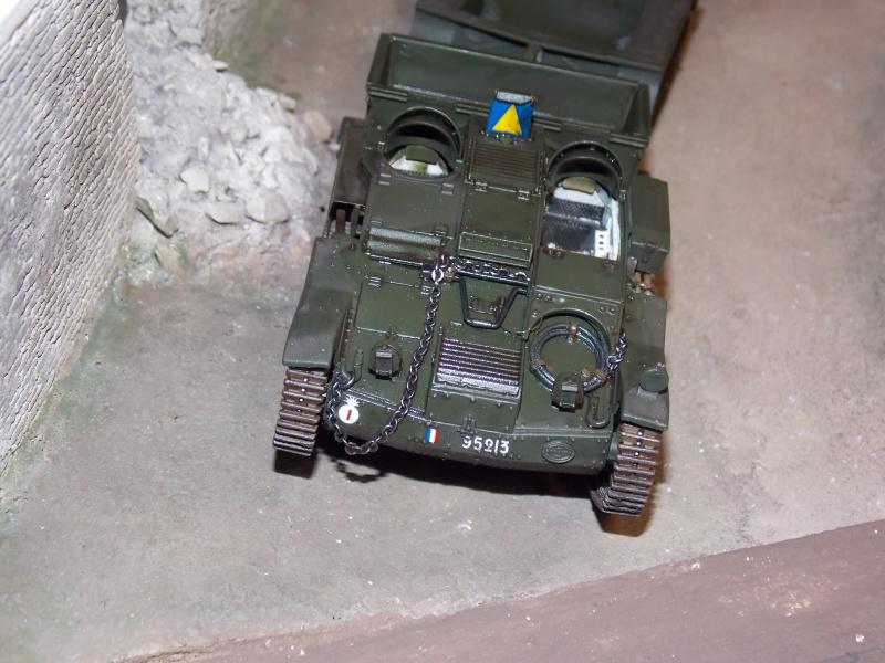 Chenillette Renault UE  et char Somua S35 TAMIYA 1/35  - Page 6 310092DSCN4024