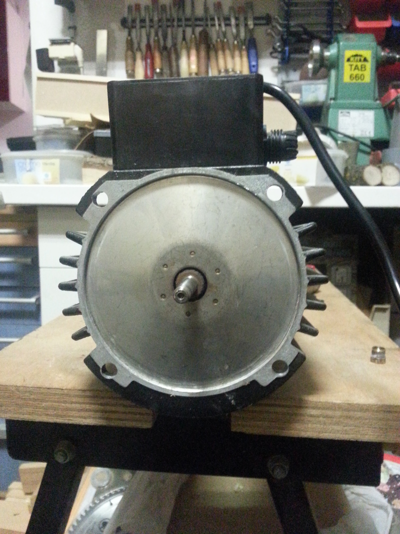 moteur bruyant 31162420150308191915small