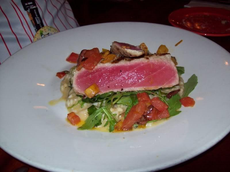 Photos des plats des restaurants de WDW,DCR - Page 16 312485WoodFiredTunfromMamaMelrose
