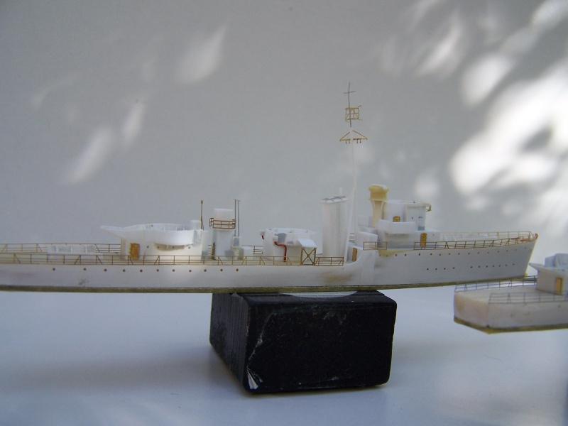 Destroyers classe Hunt type 2 et 3 - Page 2 312724Hutn2et3019