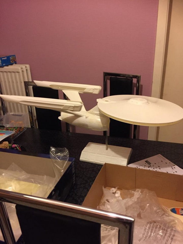 USS ENTERPRISE au 1:350 31357724174368102127987284764831193210945217645153n