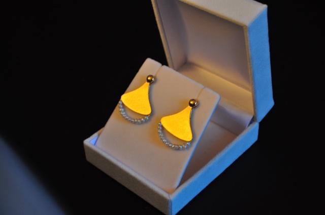 Boucles d'oreilles en or jaune et perles d'eau douce 319044DSC0240