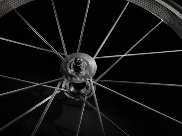Audi présente son premier vélo de course en carbone  323539AudiSportRacingBike3