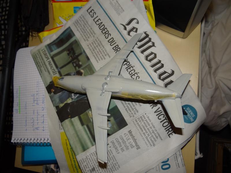 BOEING 737 1/125ème Réf 454 323710b737masquageetpeinture3