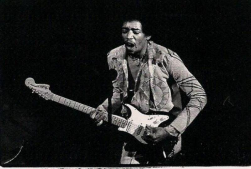 New York (Fillmore East) : 31 décembre 1969 [Premier concert]  - Page 2 324010scanjpg0006660000224