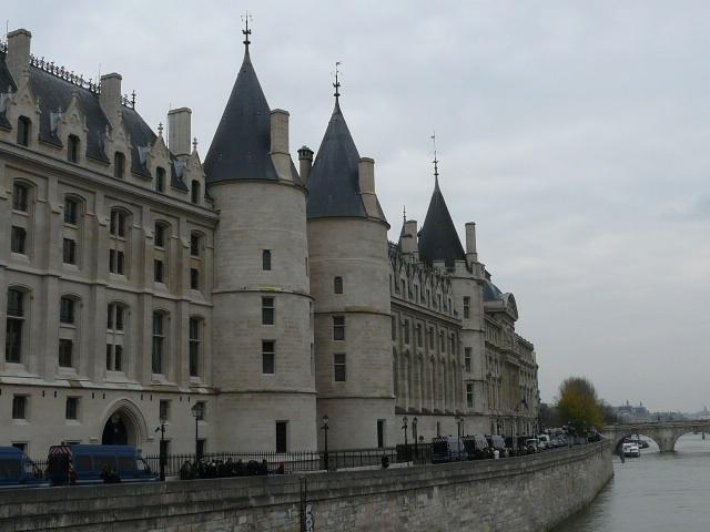 Notre dame de Paris 324157014