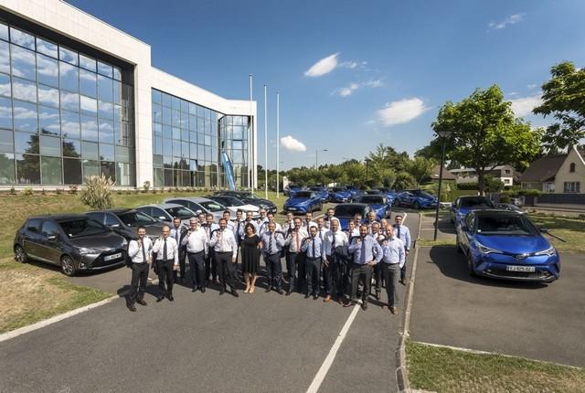 Toyota France équipe 100% de sa flotte de véhicules de société en hybride 325544004