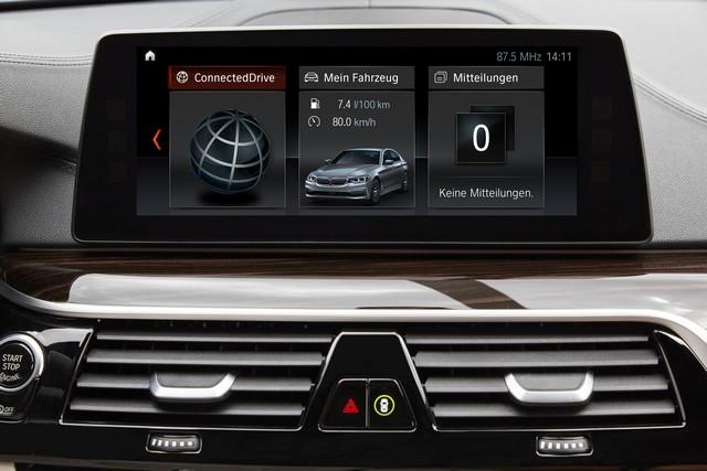 La nouvelle BMW Série 5 Berline. Plus légère, plus dynamique, plus sobre et entièrement interconnectée 327134P90237258highResthenewbmw5series