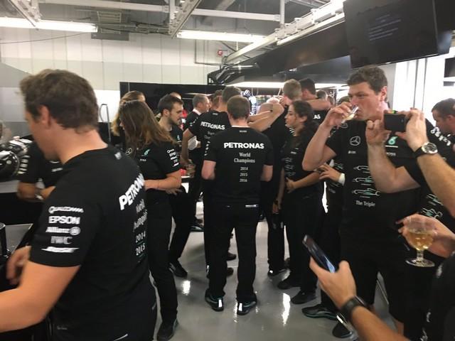 F1 GP du Japon 2016 : Victoire Nico Rosberg, Mercedes champion du monde 328024mercedes