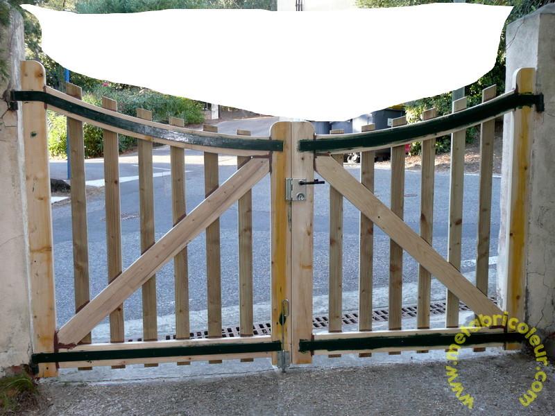 Un portail avec les moyens du bord - Page 4 328377P1030971mb