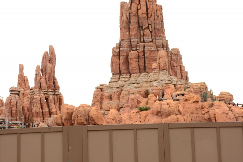 Big Thunder Mountain - Réhabilitation [Frontierland - 2015-2016] - Page 37 329206Disney220616026