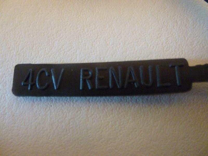 RENAULT 4L GTL 1/24ème Réf 80759  330502P1000500Copier