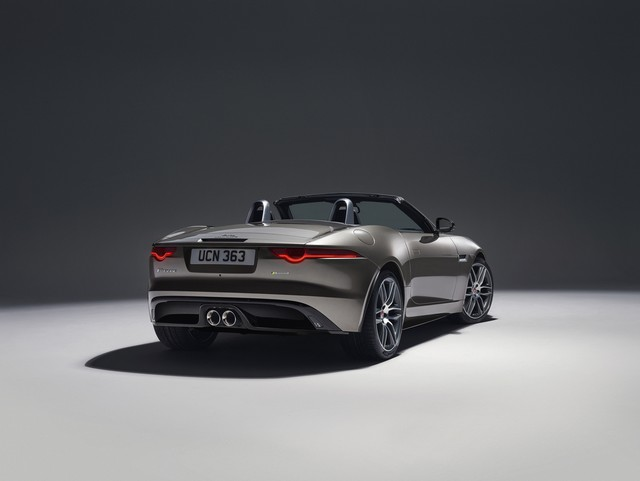 Lancement De La Nouvelle Jaguar F-TYPE Dotée De La Technologie GOPRO En Première Mondiale 337101jaguarftype18myrdynamicstudioexterior10011701