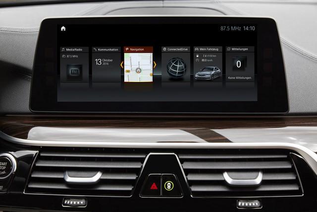 La nouvelle BMW Série 5 Berline. Plus légère, plus dynamique, plus sobre et entièrement interconnectée 338478P90237256highResthenewbmw5series