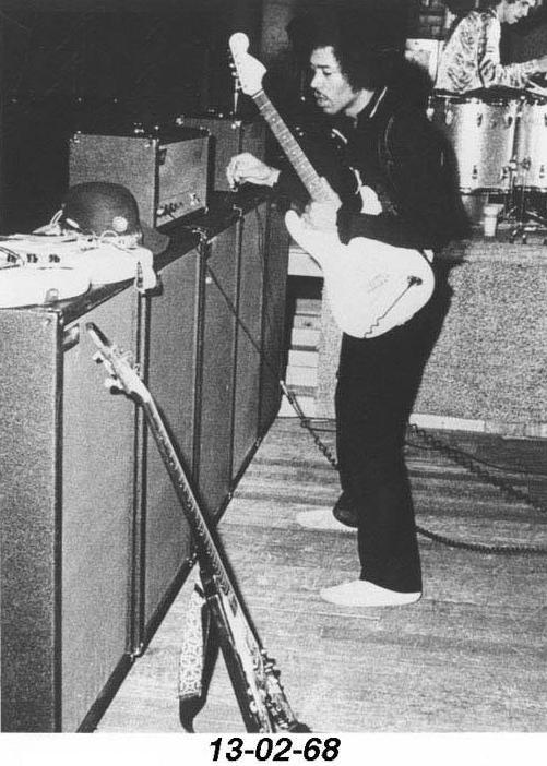 Los Angeles (Ackerman Union Grand Ballroom, UCLA) : 13 février 1968  338598UCLA914n