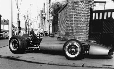 Une autre équipe française que Renault peut-elle arriver un jour en F1? 339433alpinea3501