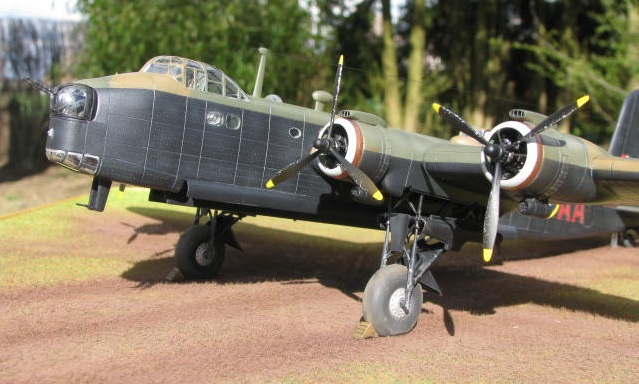 Short Stirling MkIII BF-513 Italeri 1/72, 2ème !!!!!....Terminé!!! - Page 4 340071IMG7152