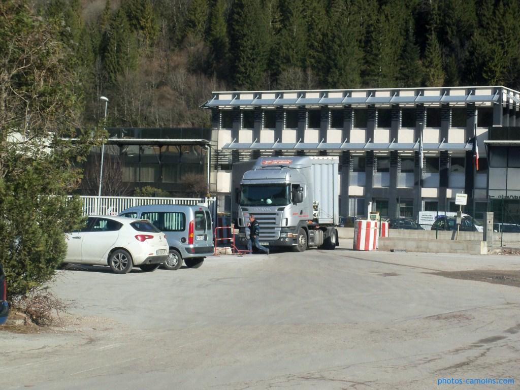 Cars et Bus de la région Rhone Alpes - Page 4 343268photoscamions8Mars20128Copier