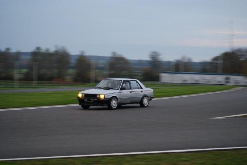 Mimich et sa R9 Turbo (du moins ce qu'il en reste) 343641dsc03510