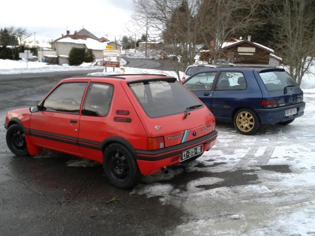 [AutoRétro-63]  205 GTI 1L9 - 1900cc rouge vallelunga - 1990 - Page 8 34369620140209172330