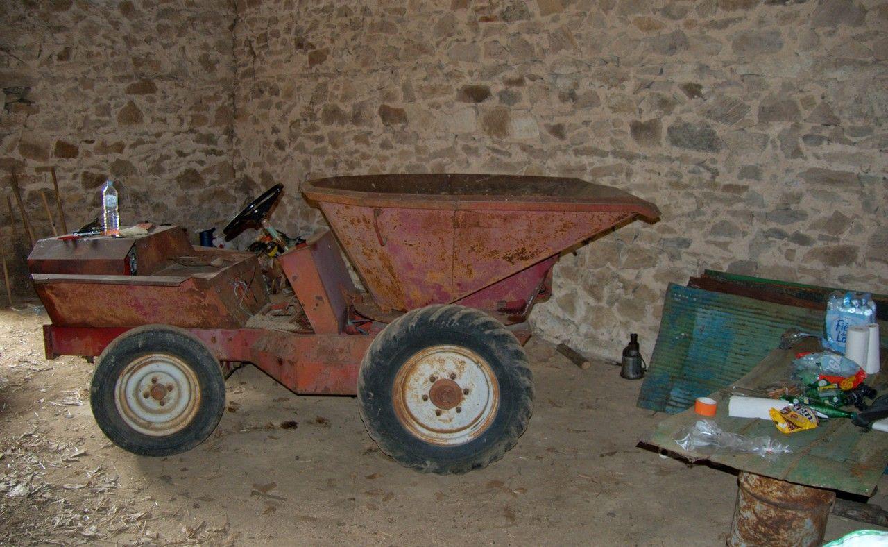 Recherche pneus 8.00 - 19 pour dumper 3468701078619