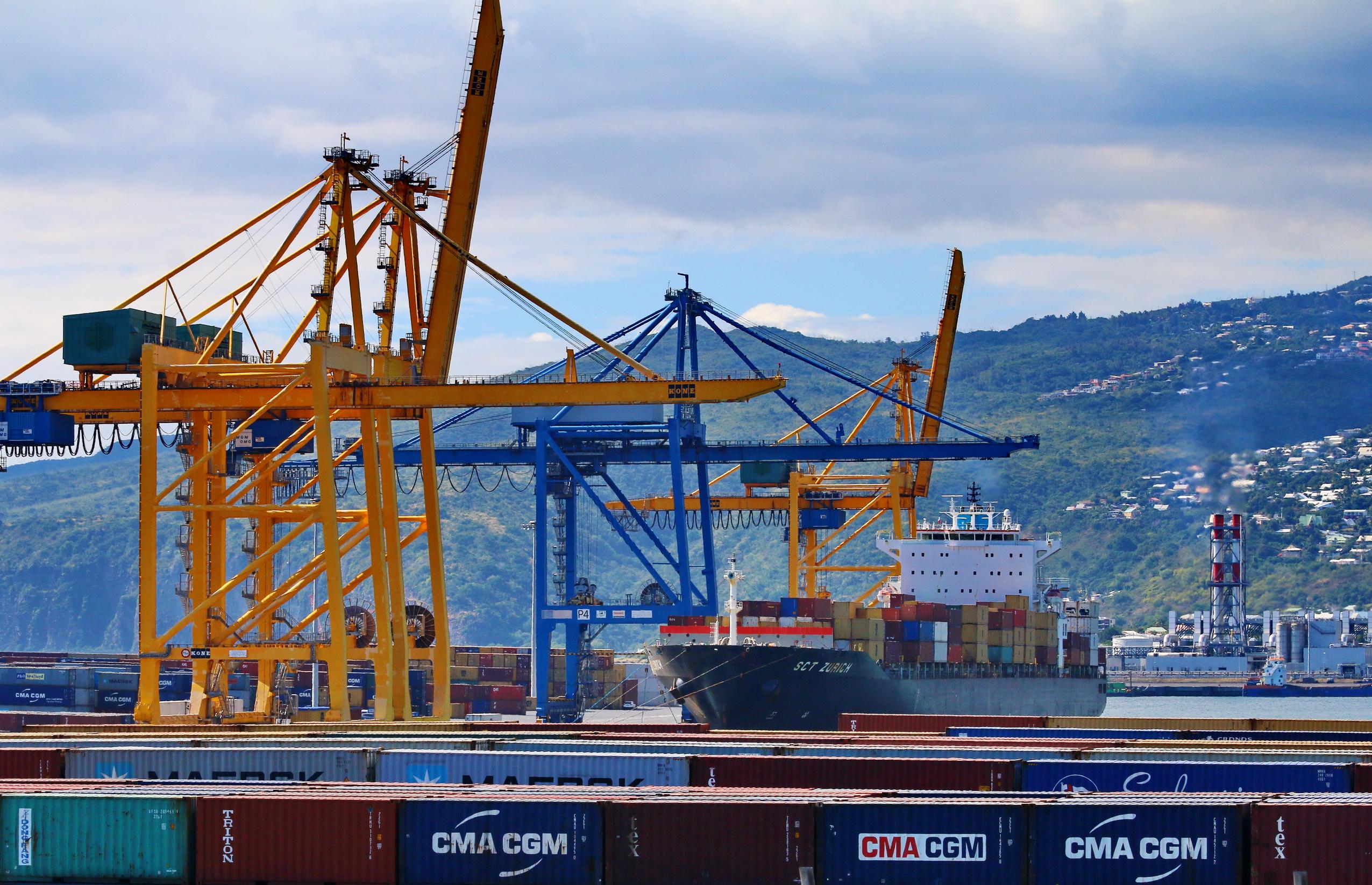 [Vie des ports] Les ports de la Réunion - Page 9 351064portest070
