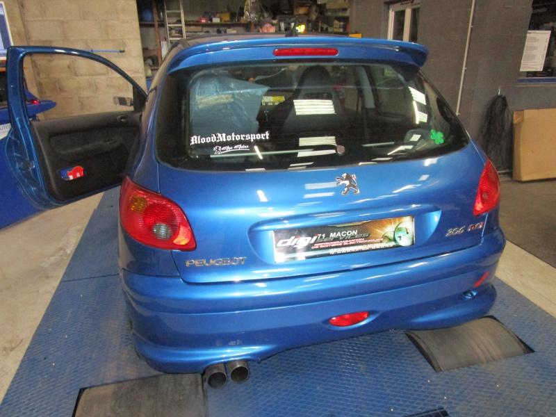 [BoOst] Peugeot 206 RCi de 2003 - Page 2 352295IMG00501