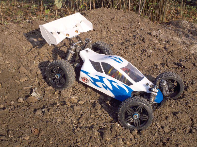 Photos de vos buggy pour l'année 2012  352755voiture