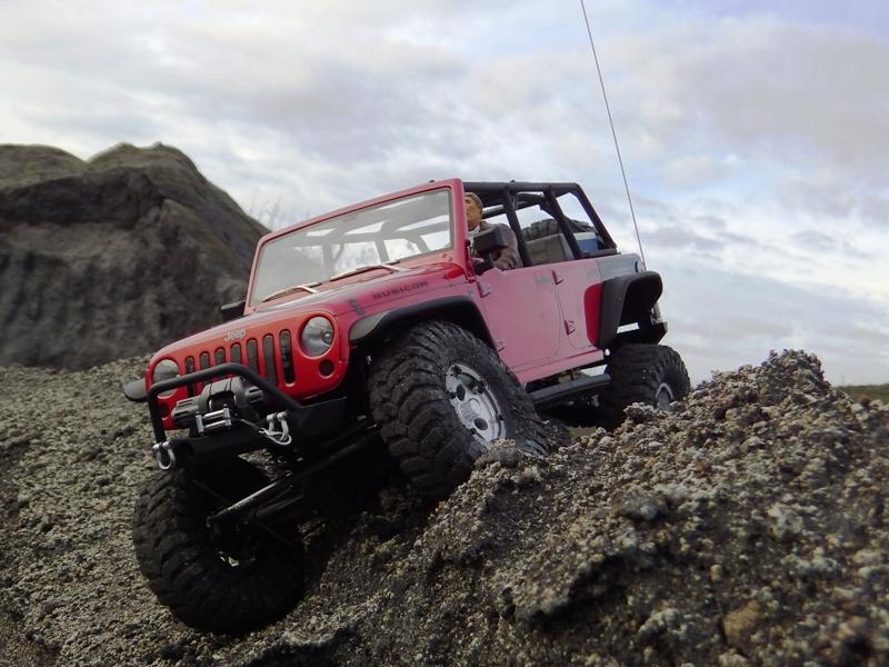 Jeep Rubicon Axial, le scale facile ;-) 354935IMGA0844