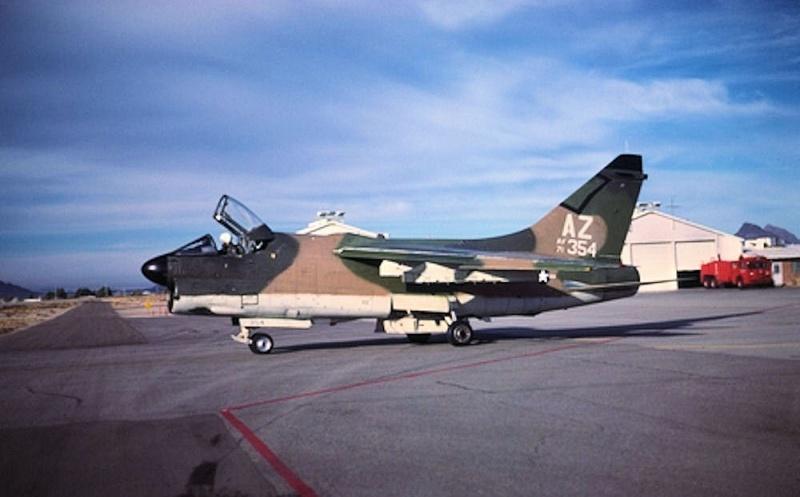LTV A-7 Corsair II [NOUVELLE VERSION] 356388LTVA7DCorsairII192