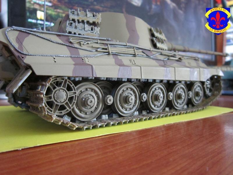 Sd.Kfz.182 King Tiger à tourelle Henschel de Dragon au 1/35e par pascal 94 358064IMG1269L