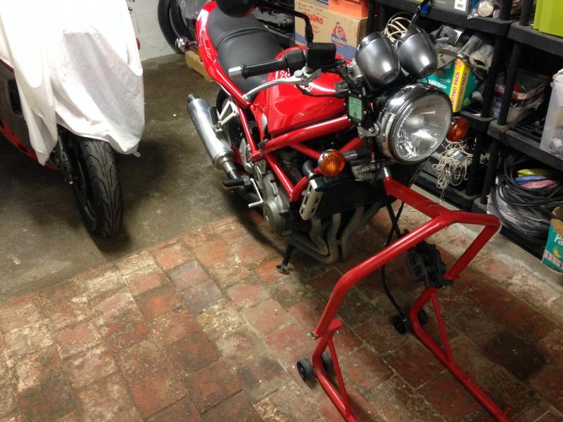 Nouvelle venue dans le garage... 359103IMG4963